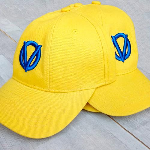вишивка на кепках